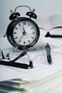 paperwork-time-efficiency-02-22884394