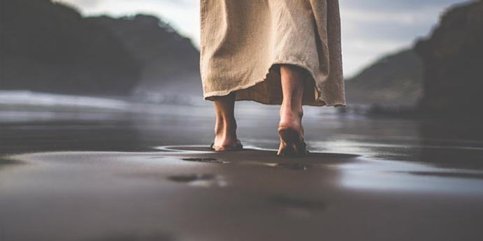 Jesus-Walking-Sand-2